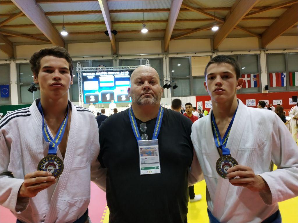 Чемпионат Европы по джиу-джитсу среди аспиран-тов и юниоров прошёл в минувшие выходные в ита-