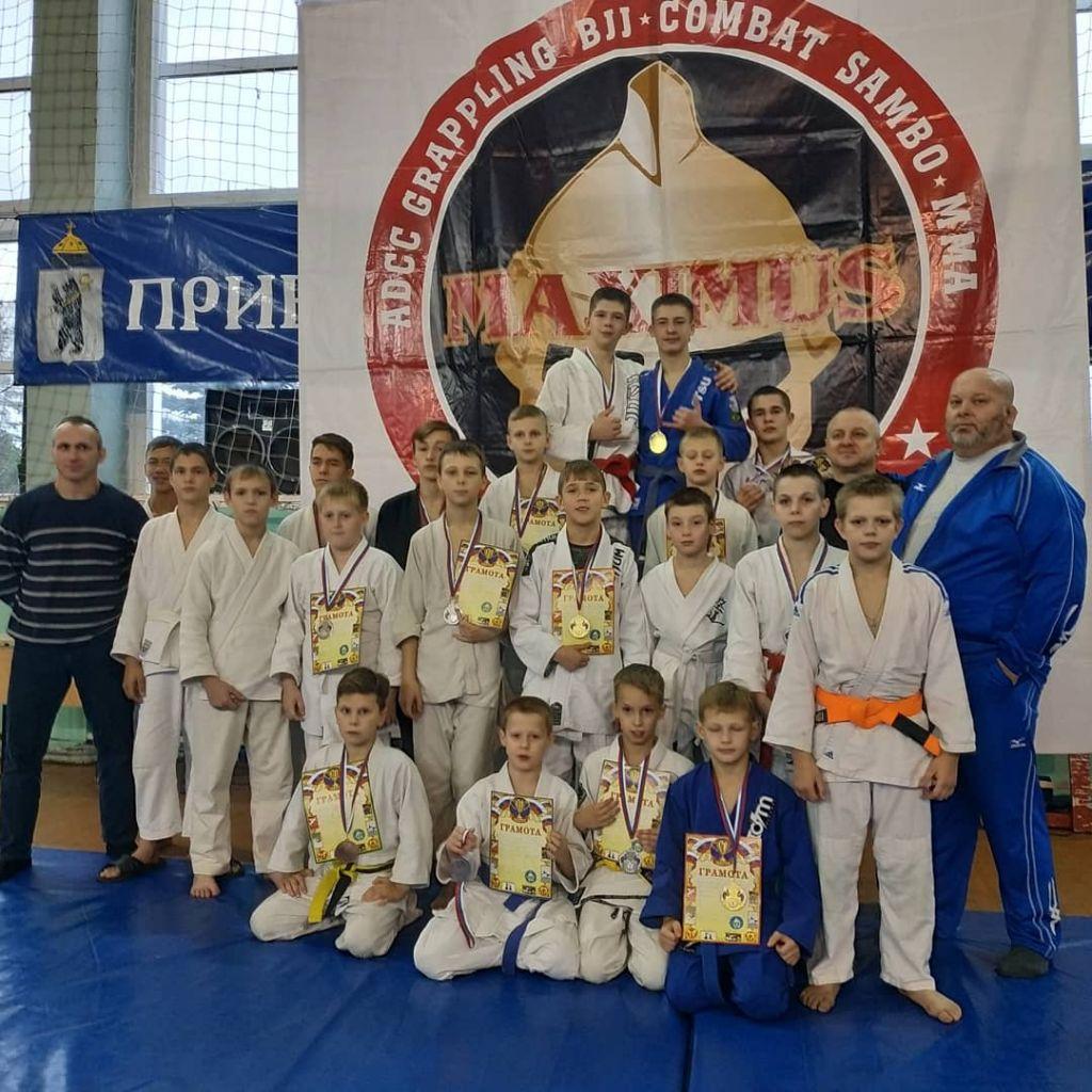 1-ый Открытый юношеский турнир по рукопашному бою клуба смешанных единоборств MAXIMUS /LION