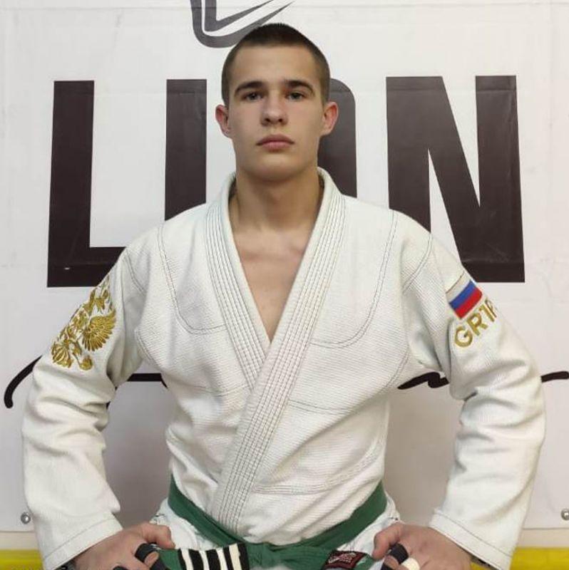 Поздравляем с Днём Рождения Илью Логинова! Желаем Ему Здоровья и Успехов в Учёбе и Спорте!