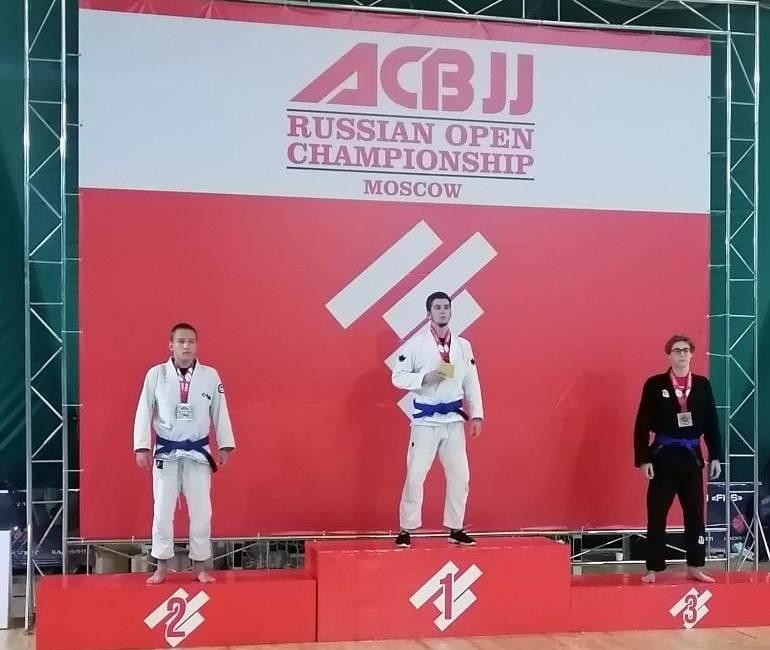 Поздравляем Илью Кузнецова, занявшего 2 место в JUVENILE GI / BLUE / 70 KG на ACBJJ  RUSSIAN