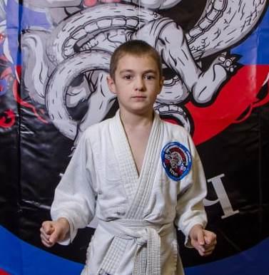 Поздравляем с Днём Рождения Лапшина Ярослава! Желаем Ему Здоровья и Успехов в Учёбе и Спорте!
