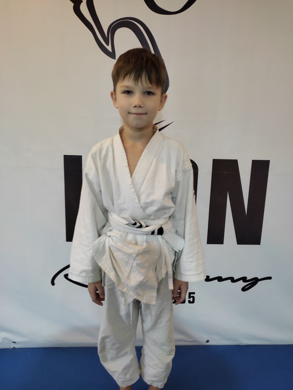 Поздравляем  Днём Рождения Дениса Седышева! Желаем Ему Здоровья и Успехов в Учёбе и Спорте!