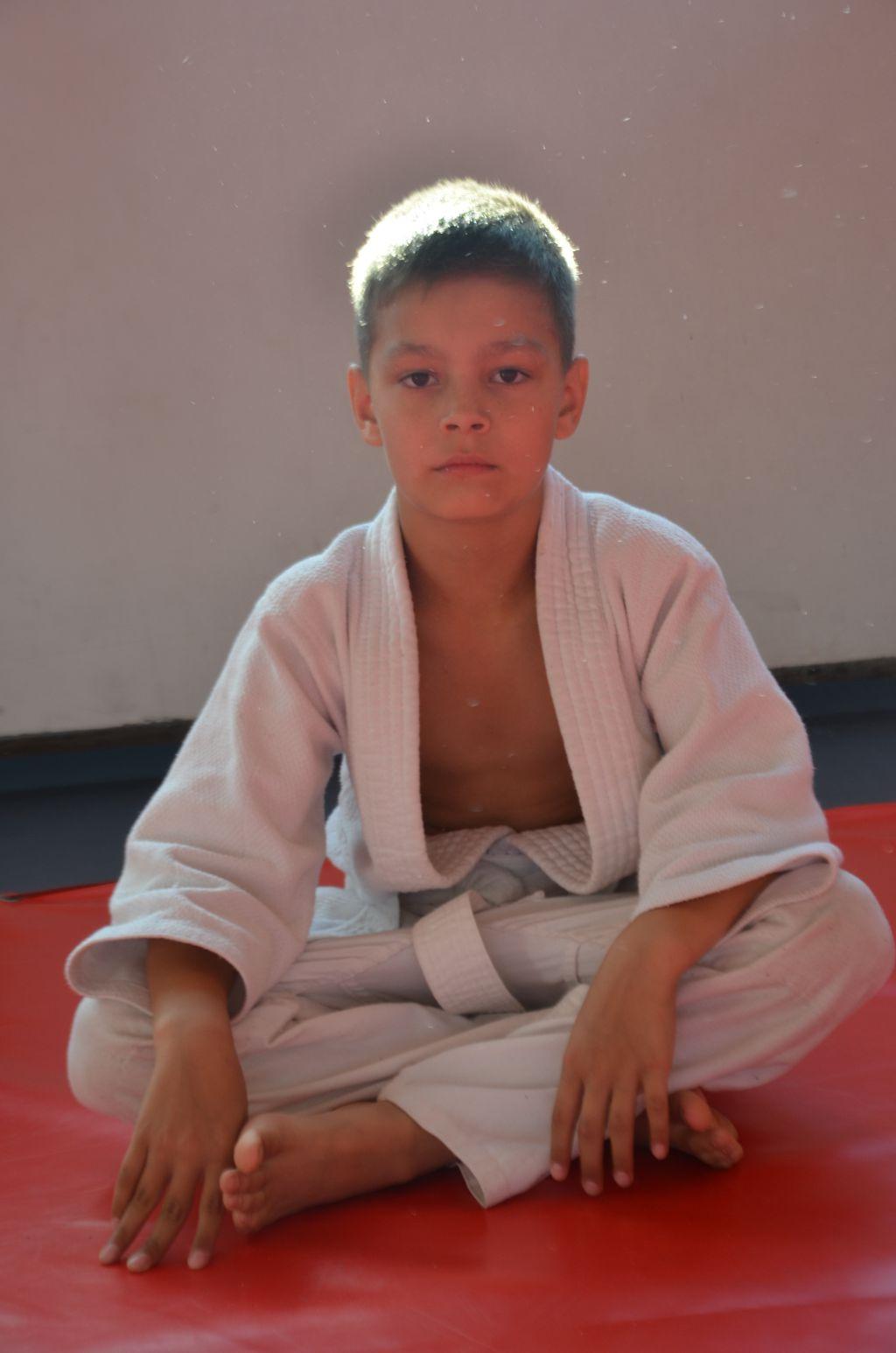 Поздравляем Вячеслава Копосова с Днём Рождения ! Желаем Ему Здоровья, Успехов в Учёбе и Спорте!