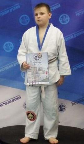Поздравляем Кирилла Кулагина с Днём Рождения! Желаем Ему Здоровья и Успехов в Учёбе и Спорте!