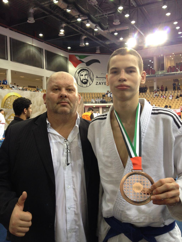 Семён Огнев - бронзовый призёр Первенства Мира в Абу-Даби! Поздравляем спортсмена и тренера!